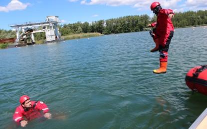 Výcvik záchrany tonoucího na Kališčovém jezeře v Šunychlu 18.06.2016